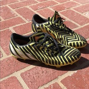 Adidas men's Predator soccer shoes